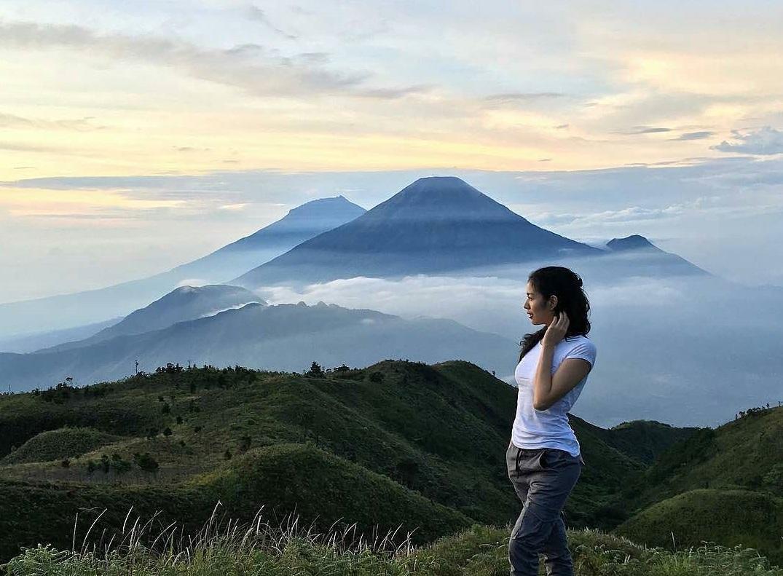 Bukit Teletubies Gunung Prau
