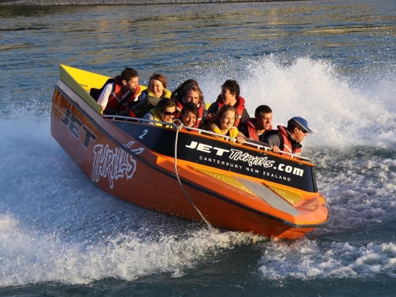 Jet Boating Sepanjang Shallow Braided Rivers