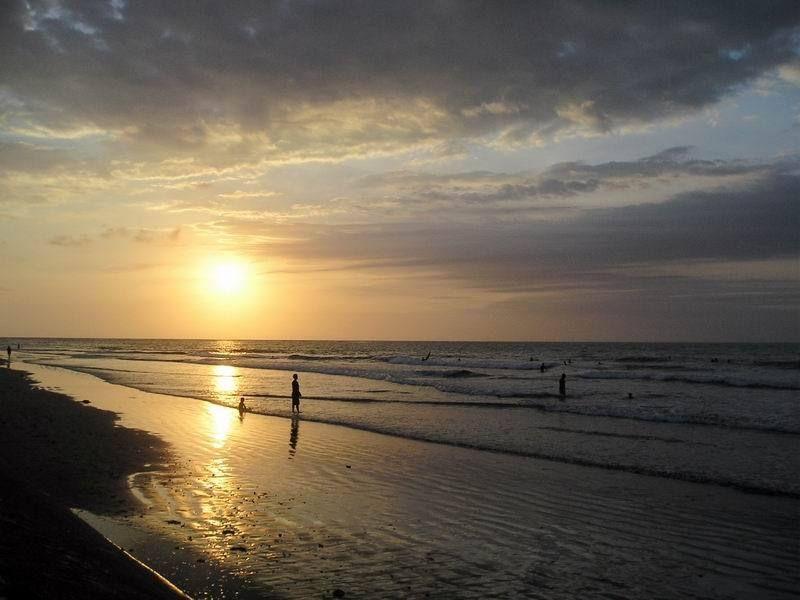 Pantai Kuta Wisata Paling Populer di Bali