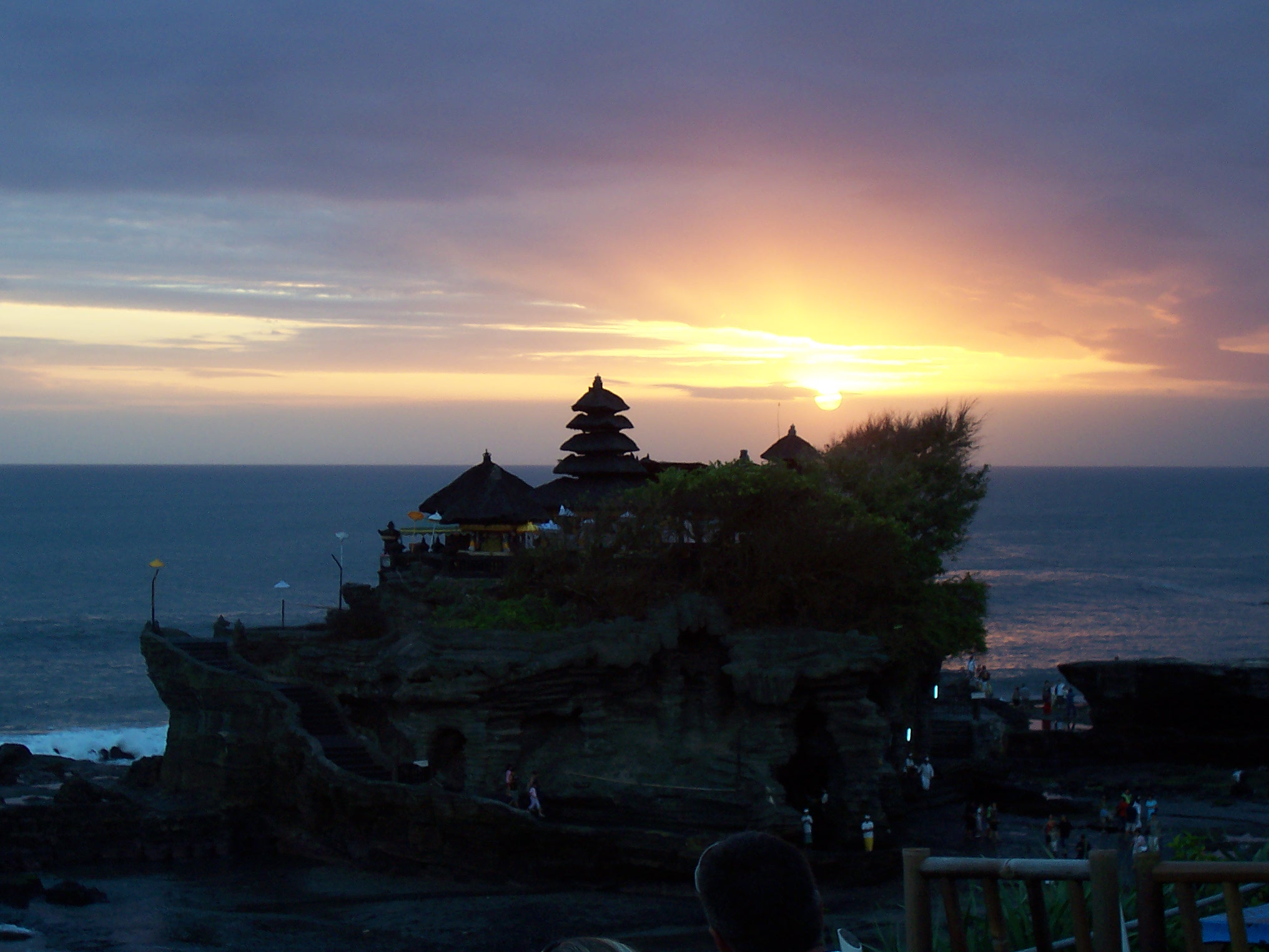 Wisata Bali Terbaik Pura Tanah Lot
