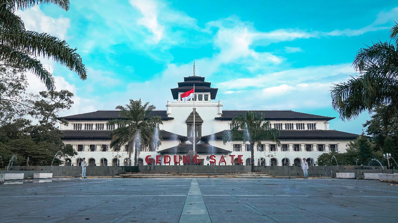 Wisata Bandung Gedung Sate