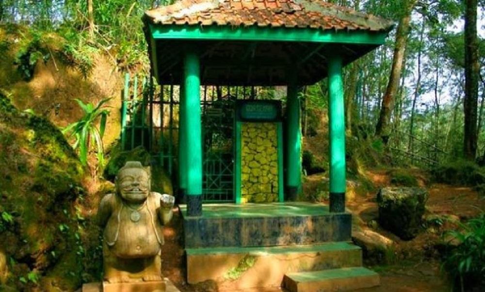Gua Semar Dieng, Kunjungi Tempat Pertapaan Para Raja Jawa post thumbnail image