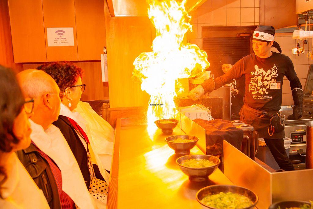 Mengunjungi Menbakaichidai Fire Ramen