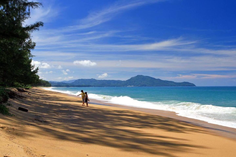 Pantai Telanjang Mai Khao