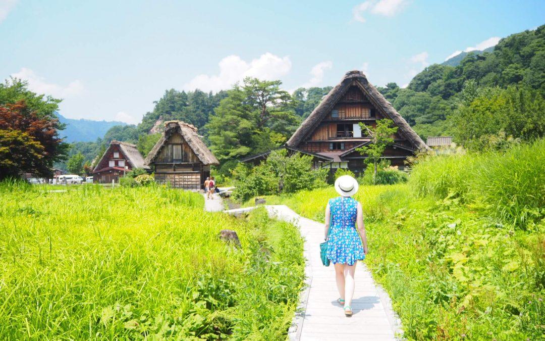 Rumah Gassho-Zukuri di Shirakawago Jepang