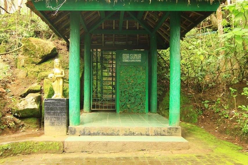 Wisata Gua Semar Dieng