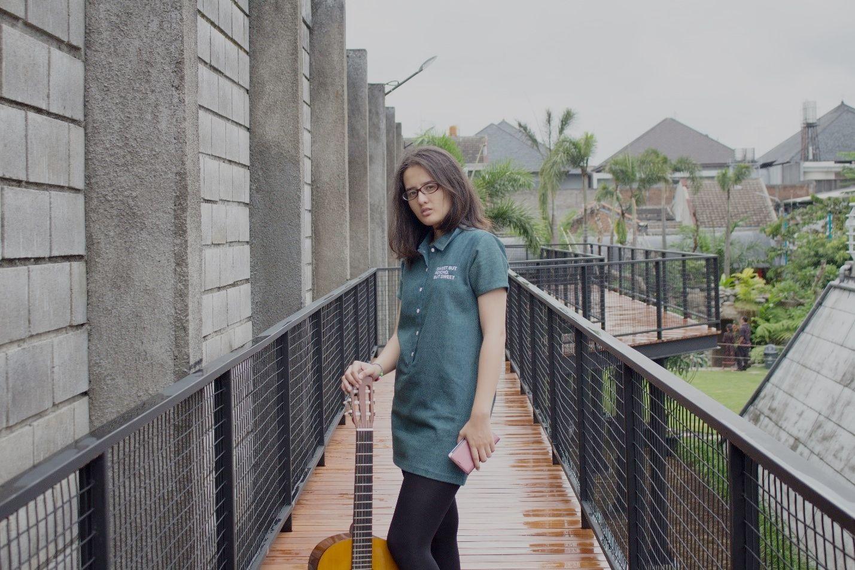 Jalan di Skywalk Bandung Peta Park
