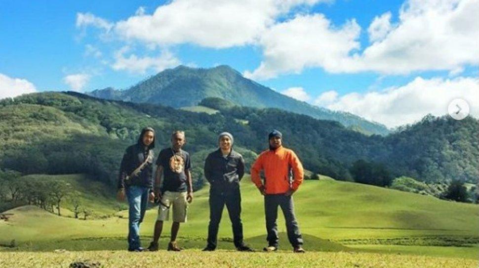 Keindahan Gunung Mutis NTT
