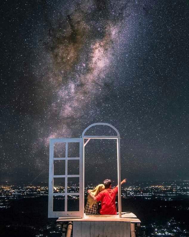 Pintu Langit Dahromo Malam Hari