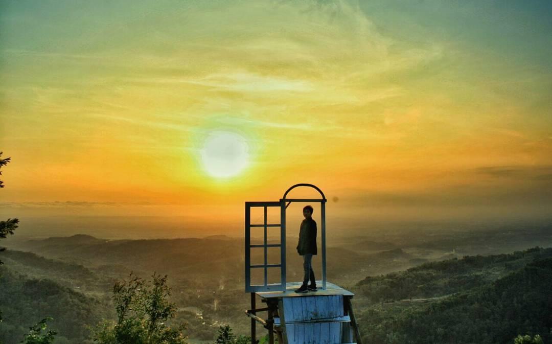 Wisata Alam Pintu Langit Dahromo Yogyakarta