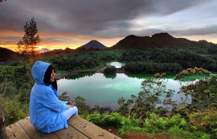 Wisata Telaga Warna Dieng Yang Airnya Bisa Berubah-ubah post thumbnail image