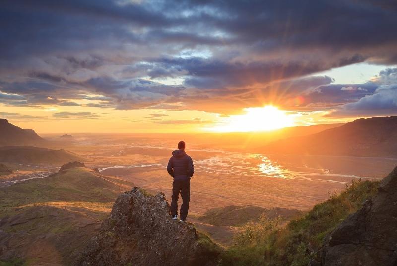 Golden Sunrise Terbaik Gunung Prau
